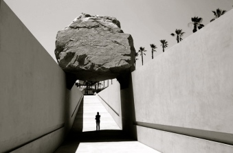 Michael Heizer, Levitated Mass, 2012